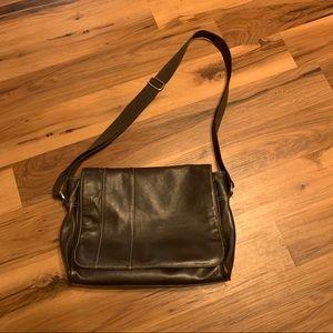 Perry Ellis Leather Messenger Bag Dark Brown
